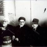 ۱۳۴۸ مسجد جامع کرج استاد محمدتقی شریعتی درکنار آیات سیدمحمود طالقانی و شیخ حسین لنکرانی