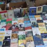زیراکس چاپهای اول آثار دکتر شریعتی در حاشیه پیادهرو ها - خیابان انقلاب - ۱۳۹۴